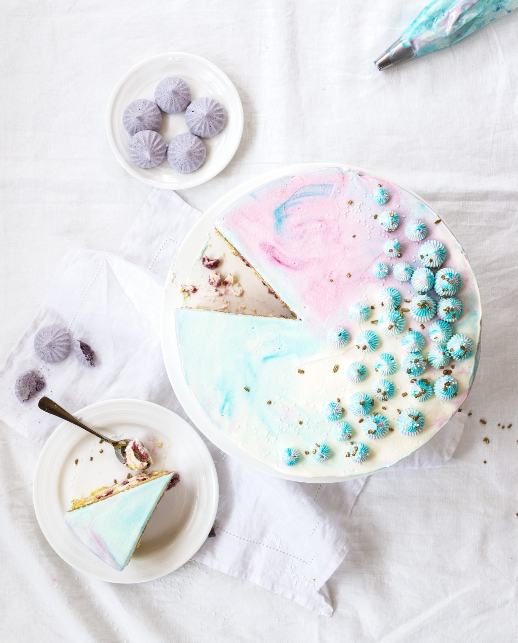 vadelmakermakakku raspberry cream cake