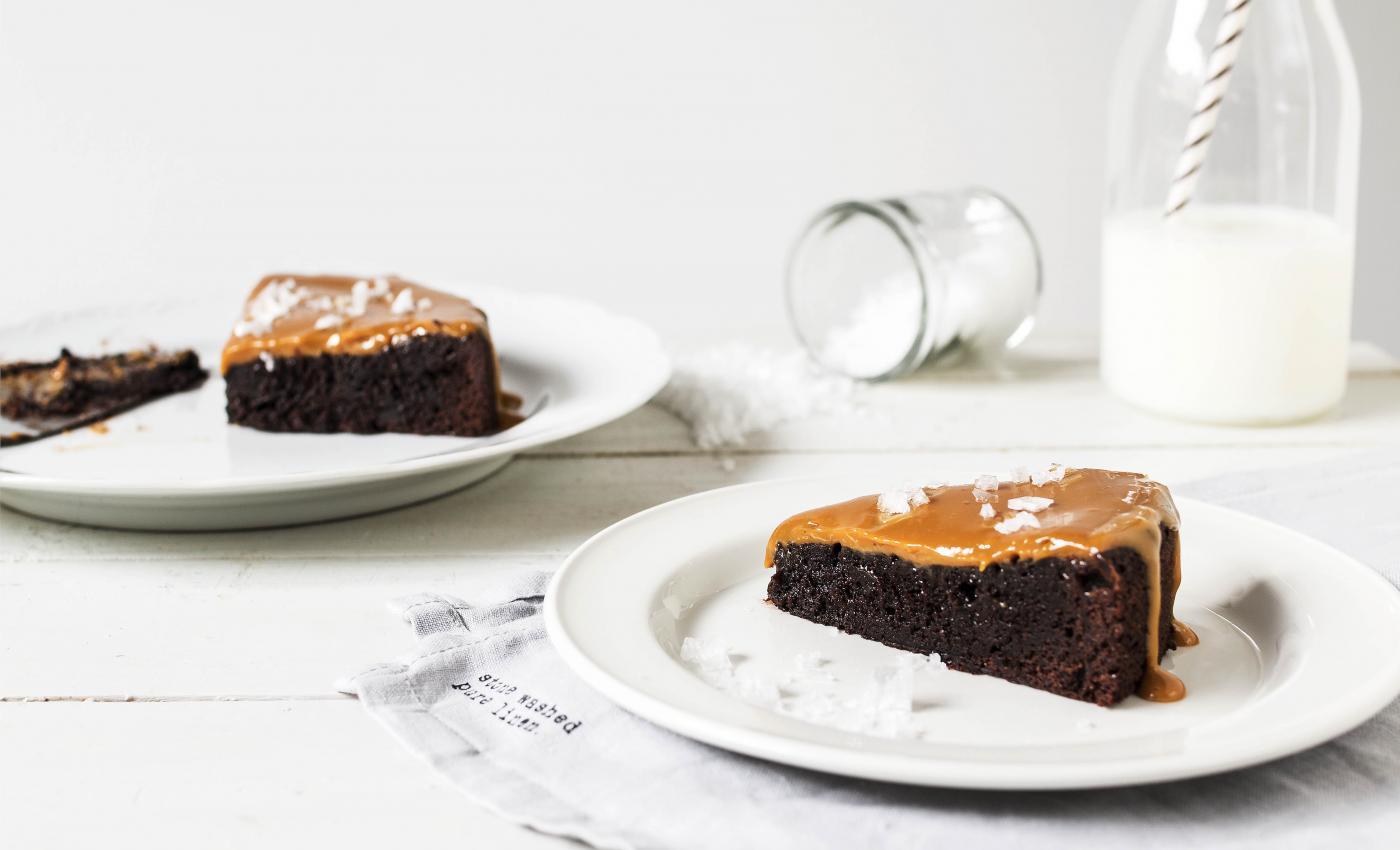 salted caramel mudcake suolakinuski mutakakku