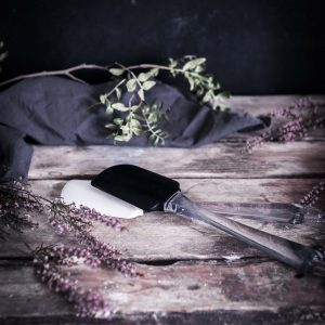Emma Ivane Bakeware rubber spatula - nuolija
