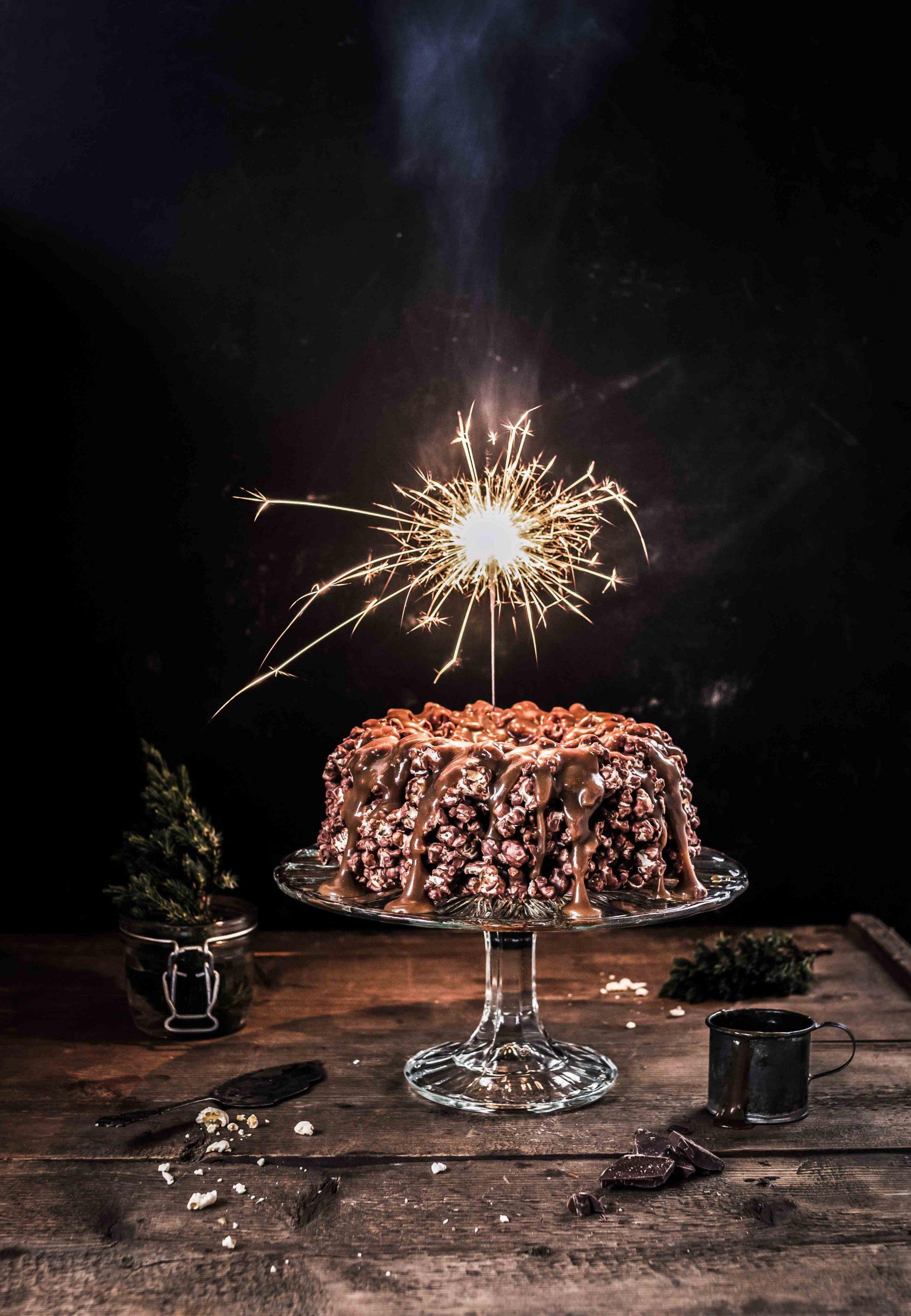 chocolate_popcorn_cake_emma_ivane
