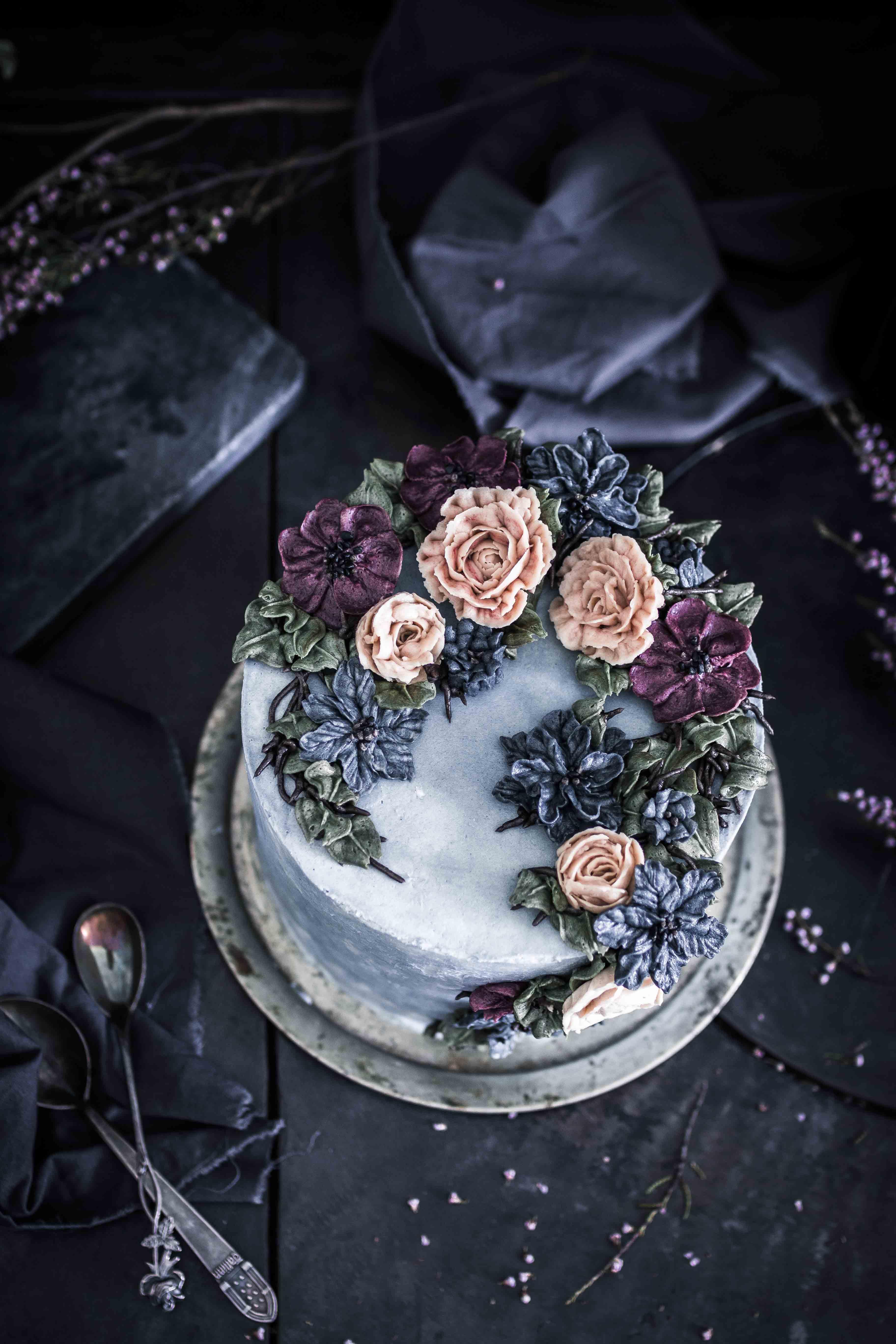 Buttercream flower cake - Kakkukurssi Emma Ivane