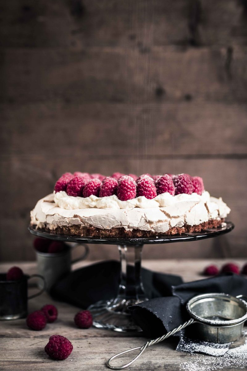 Vadelma brita kakku raspberry meringue cake