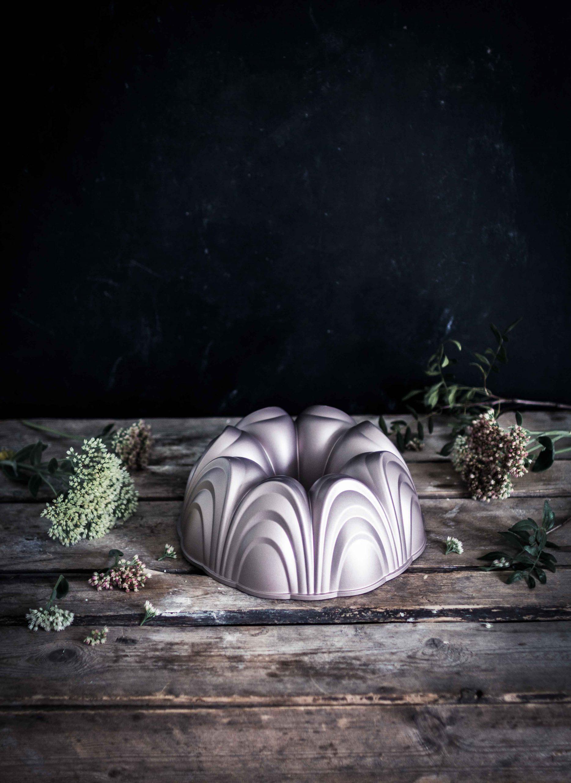 Emma Ivane Heirol Bundt Cake Pan