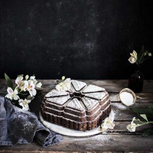 Bundt cake pan Emma Ivane Heirol kakkuvuoka neliö