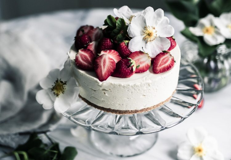 Easy midsummer cake recipe by Emma Ivane